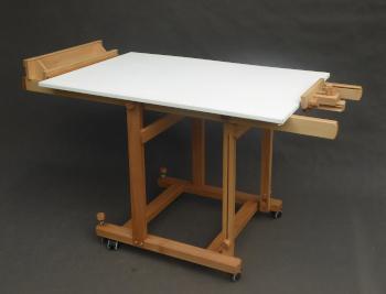 wykorzystanie sztalugi xl pozioma jako stół